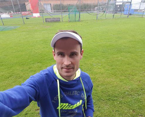 Lukas Stähli auf einem Sportplatz